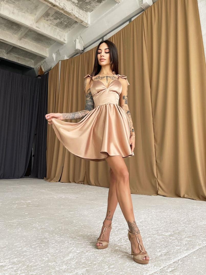 Корсетное Платье С Пышной Юбкой